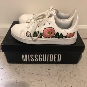 Flower Embroidered White Sneakers